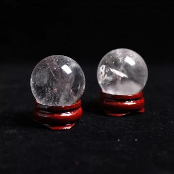 Натуральный шар  из кварцевого кристала на подставке,диаметр 25 мм